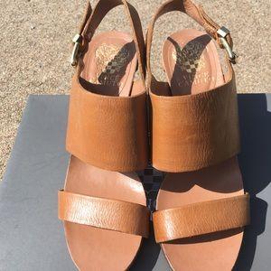 NWOT Vince Camuto women's sandal